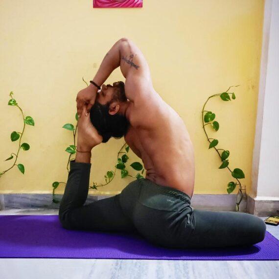 Male Yoga Instructors Mumbai