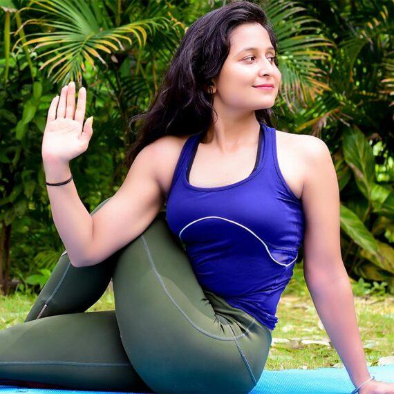 Online Female Yoga Teacher Bhopal